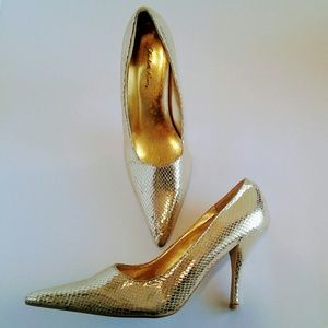 Gold Lame Shoes Reptile Print size 8 Heels 4""